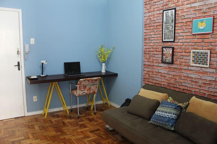 Comfortable room in the iconic Maletta Building - Belo Horizonte - Lägenhet