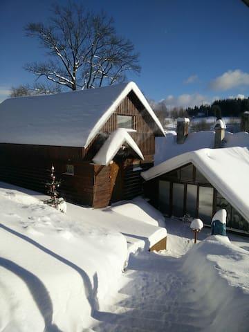 Moderní chaloupka v Horních Lučanech - Lučany nad Nisou - Casa