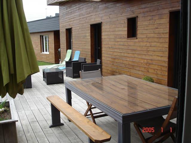 chambre dans maison  ossature bois récente - Plaintel - Hus