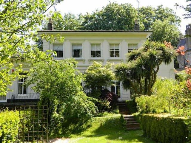 LOVELY GARDEN VIEW ENSUITE DOUBLE  BEDROOM - Torquay - Appartement
