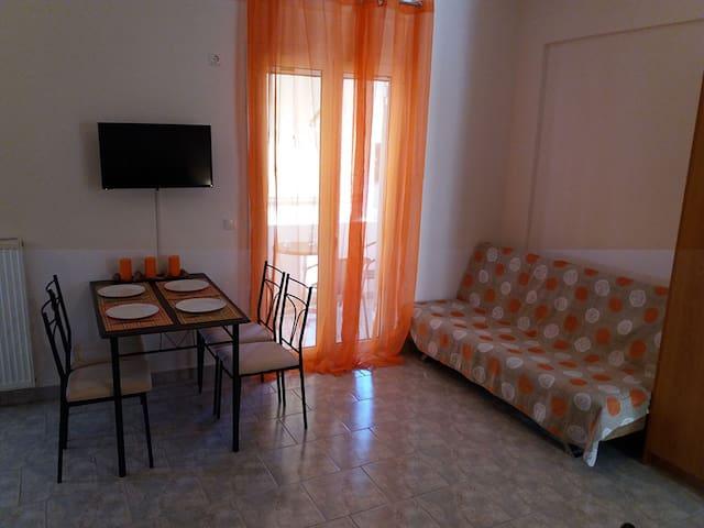 Studio appartment at Loutra Edipsou - Loutra Edipsou - Appartement