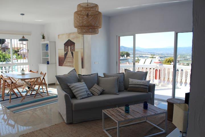Beautiful penthouse near Malaga - Alhaurín de la Torre - Apartemen