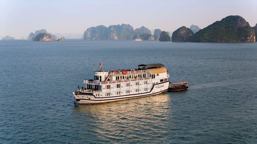 Spetacular Halong tour 2 Days on Paloma Cruise 4* - Hạ Long - 船