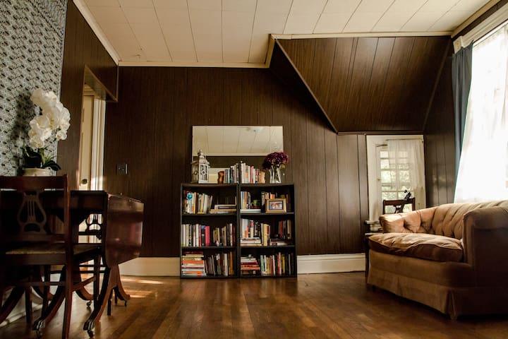 Historic 1BD Mins from UNL & DT - Lincoln - Apartamento
