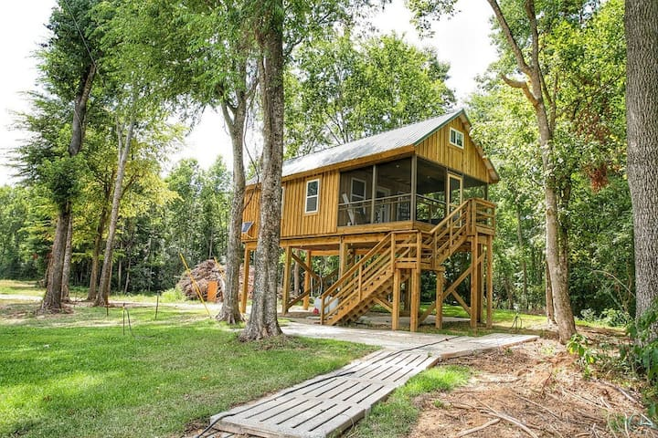 Greene's Pond Treehouse - Elizabethtown - キャビン