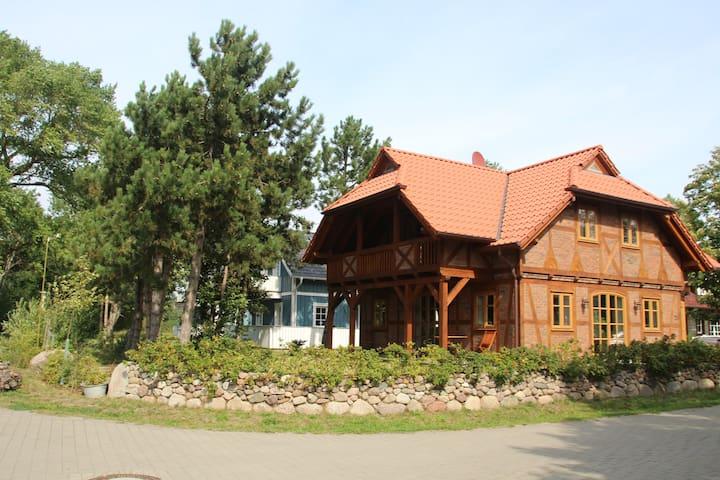 Exklusives Ferienhaus direkt am Kitespot in Wiek - Wiek - Huis