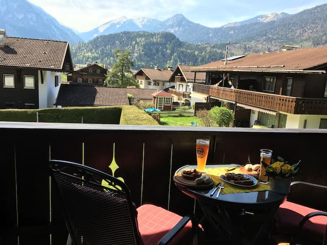 Upper Bavaria. 2- Room  with pool, sauna and WiFi - Farchant - Leilighet