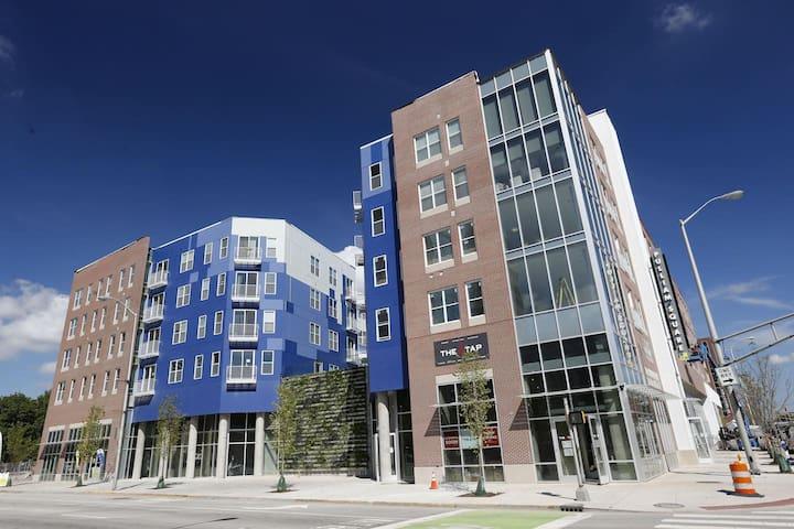 Nearly PERFECT Walk Score - Luxurious New 1BR Apt - Indianapolis - Apartmen