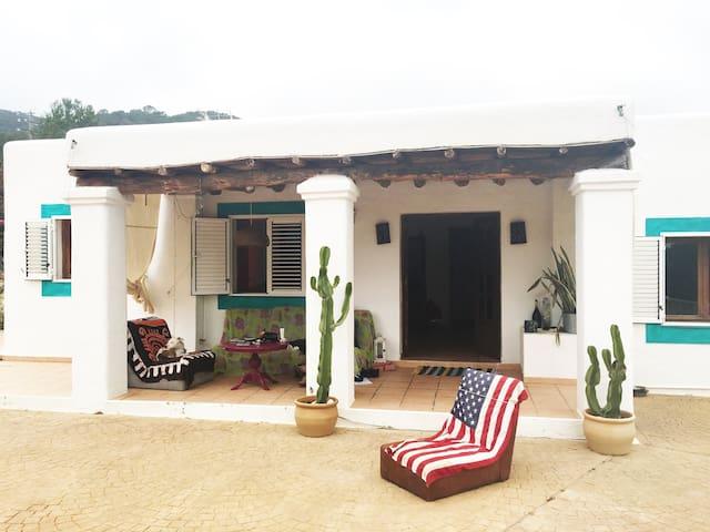 Hippie happy villa in Ibiza 1 - Sant Josep de sa Talaia - Casa