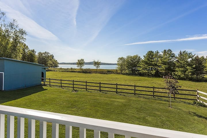Lovely Lac-Brome 3 Bedroom Lakefront Cottage - Knowlton - Hus