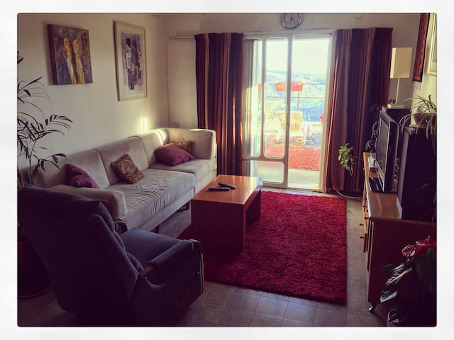 beautiful 1.5 room apartment in Ir-Ganim! - Jerusalem