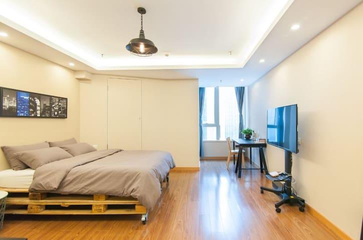 五大道风景区的全新精品公寓 Brand new apartment - Tianjin