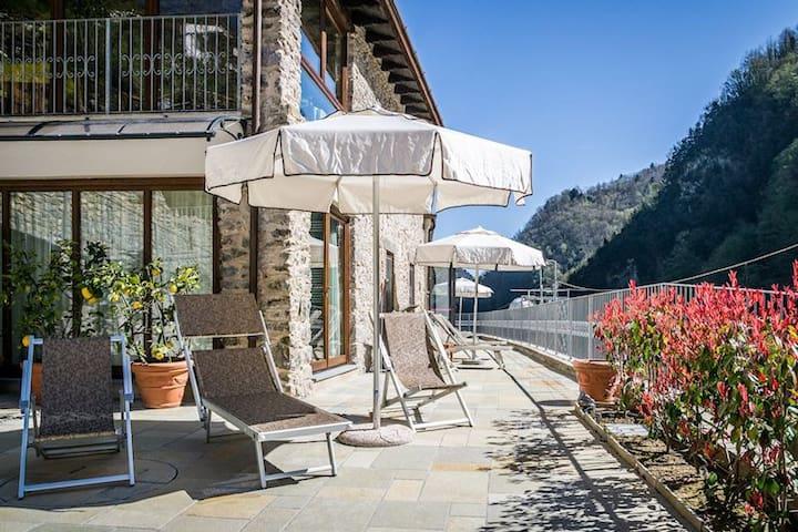Apart. Vallico 2 with indoor pool and spa. - Fabbriche di Vergemoli - Daire