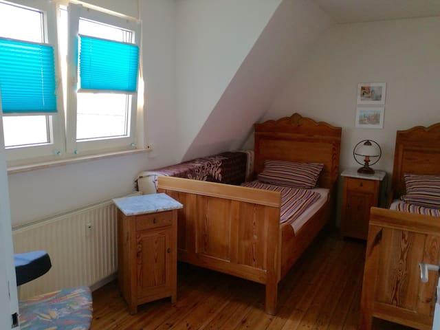 Gemütliche 2 Zi-Wohnung - Rodenbach - Lägenhet