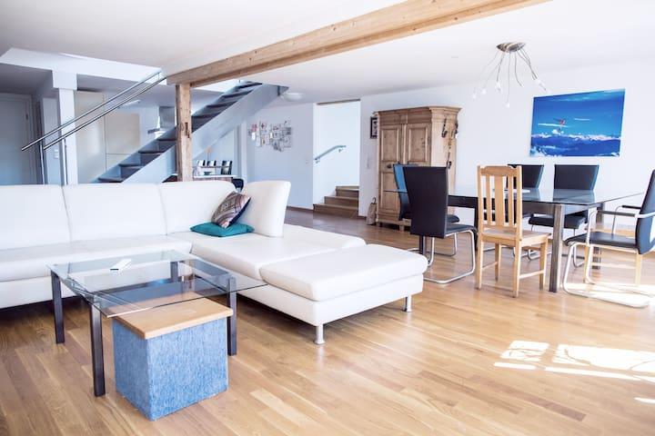 Charmantes Penthouse im Herzen von Ravensburg - Ravensburg - Apartamento