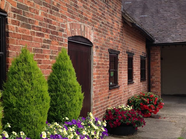Wren's Retreat at Marsh Farm Bed and Breakfast - Abbots Bromley - 公寓