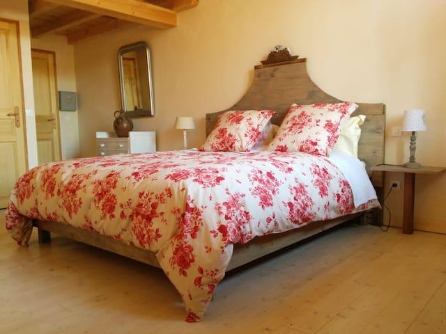 Chambre d'hôte de Laurette - Les milles roses - Bertrambois - Gjestehus
