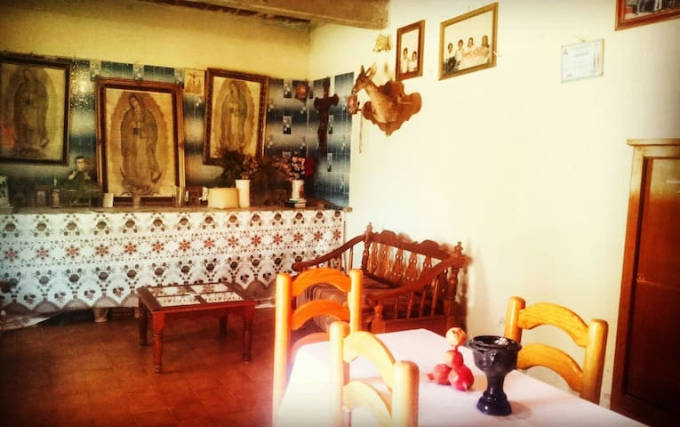 DIXZA: zapotec farm & weaving House - Teotitlán del Valle - Huis
