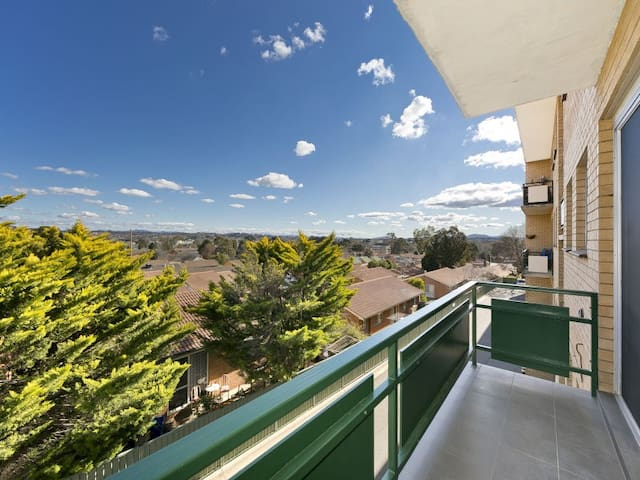 Executive One Bedroom Apartment - Queanbeyan East