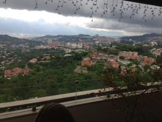 Habitaciones modernas , zona residencial sur - Caracas