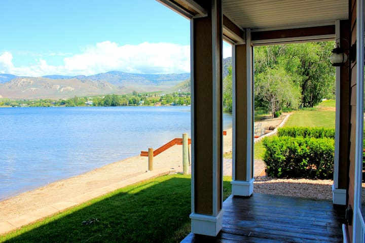 Beautiful Waterfront 6 bedroom townhome ~ Pool - Oroville - Townhouse