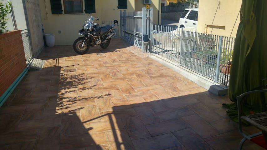 Casetta nuova ingresso diretto mare - Civitanova Marche - Hus