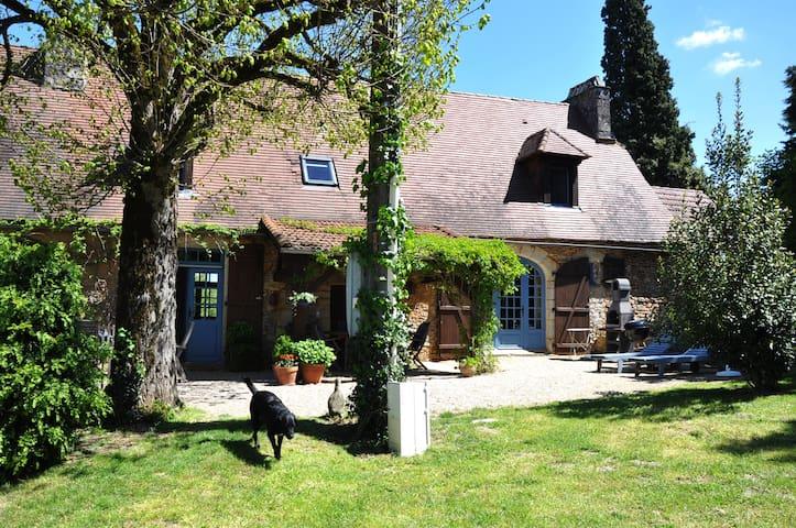 Old farm with heated pool at St Laurent la Vallee - Saint-Laurent-la-Vallée - Hus