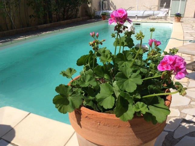 Charmante villa avec piscine - Gignac - Villa