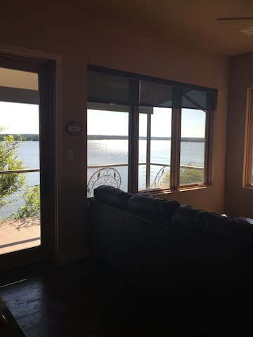 Secluded Apt. on the Lake with Incredible View! - Fort Worth - Appartement