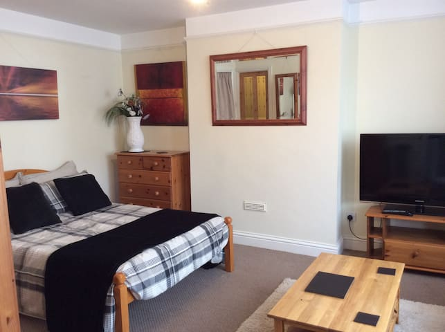 Self Catering Studio In High Wycombe - Buckinghamshire - Service appartement