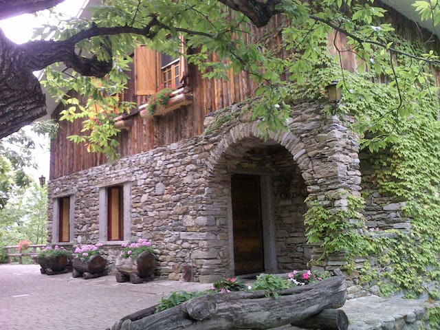 La Nostra Baita - A chalet in the mountains - San Giorio - Stuga
