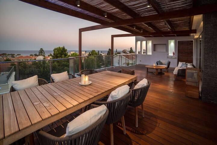 Sea  views  Luxury villa 5-bedrooms - Limassol - Hus