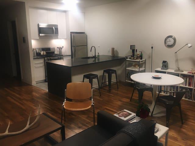 Modern & Spacious 2 Bedroom Apartment - Brooklyn - Wohnung