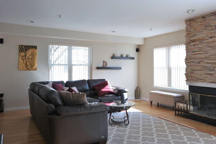 Beautiful Home - Min from NYC - Hartsdale - Rekkehus