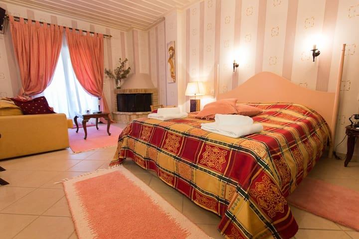 HOTEL MELAMPOUS ΚΑΛΑΒΡΥΤΑ - Kato Lousi - Lägenhet