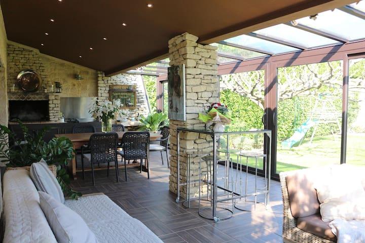 Grande villa de vacances proche du Luberon. - Robion - Villa