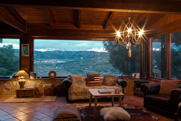Saint Bernard. Casa con encanto Robledo de Chavela - La Estación - Huis