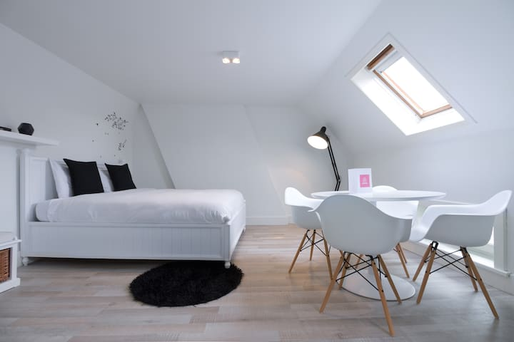 Citycenter trendy rooftop apartment - Gante - Apartamento