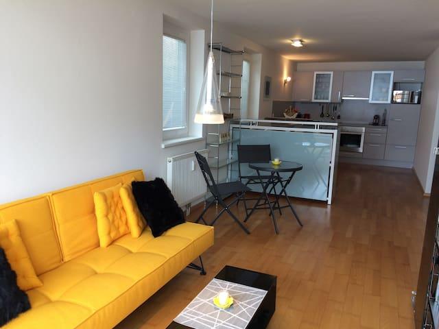 Sonnige 2-Zimmer-Wohnung mit Bergpanorama - Lech - Apartamento