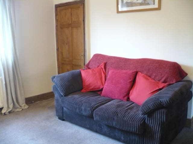 Cosy 2 bedroom house with lovely wood burner - Morpeth - Huis