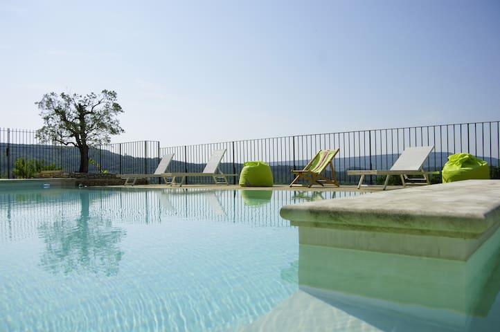 Joli studio avec piscine en Drôme Provençale - Roussas - Daire