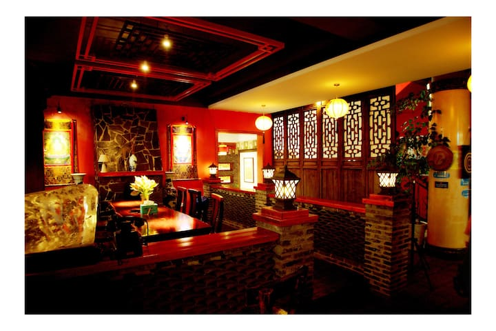 The Inn is antique and romantic. - Guilin - Talo