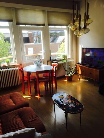 Retro-appartement in hartje Hasselt - Hasselt - Apartemen