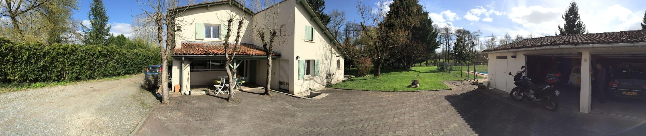 Maison de campagne avec piscine - Périssac - Ev
