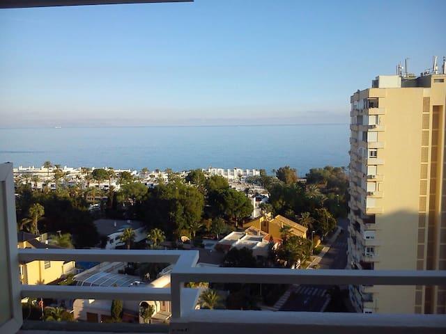 Almería, junto al mar y con piscina - Aguadulce