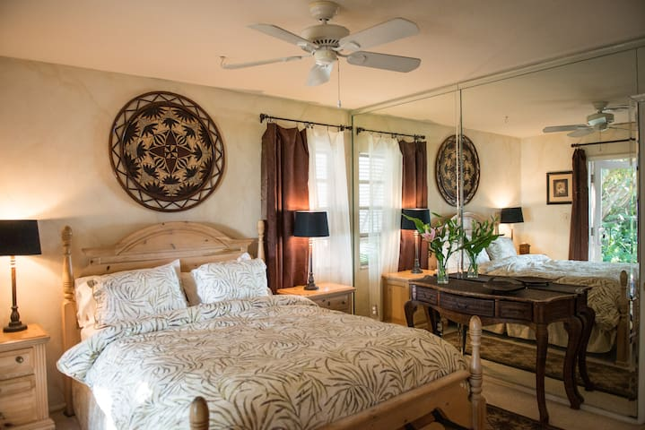 Waterfront Two BR Suite with Pool (Available now) - Gulfport - Suite tetamu