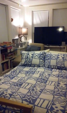 Private Airy Room - Teaneck - Huis