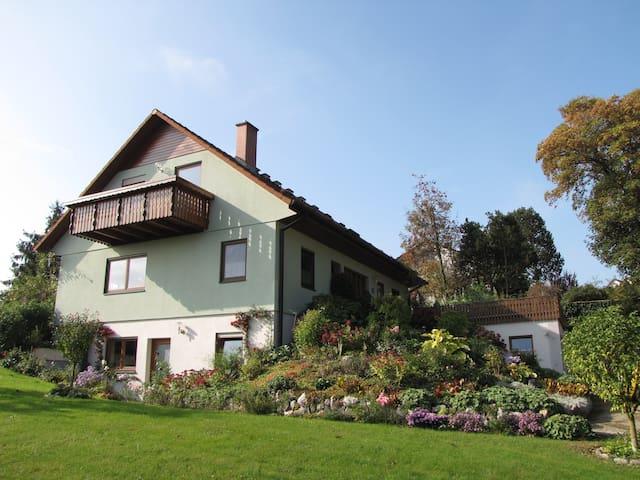Gemütlich Wohnen in Ochsenhausen (2 - 4 Personen) - Ochsenhausen - Appartement