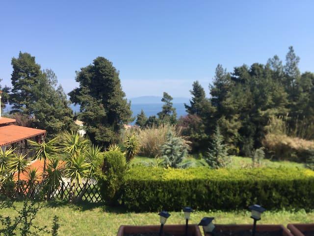 Half Villa in secluded location! - Kriopigi - Haus