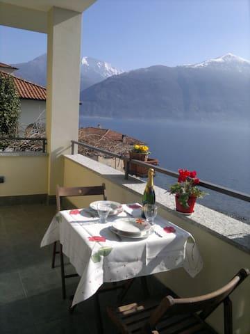 Breathtaking lake view close to  Menaggio - Provincia di Como - Apartemen
